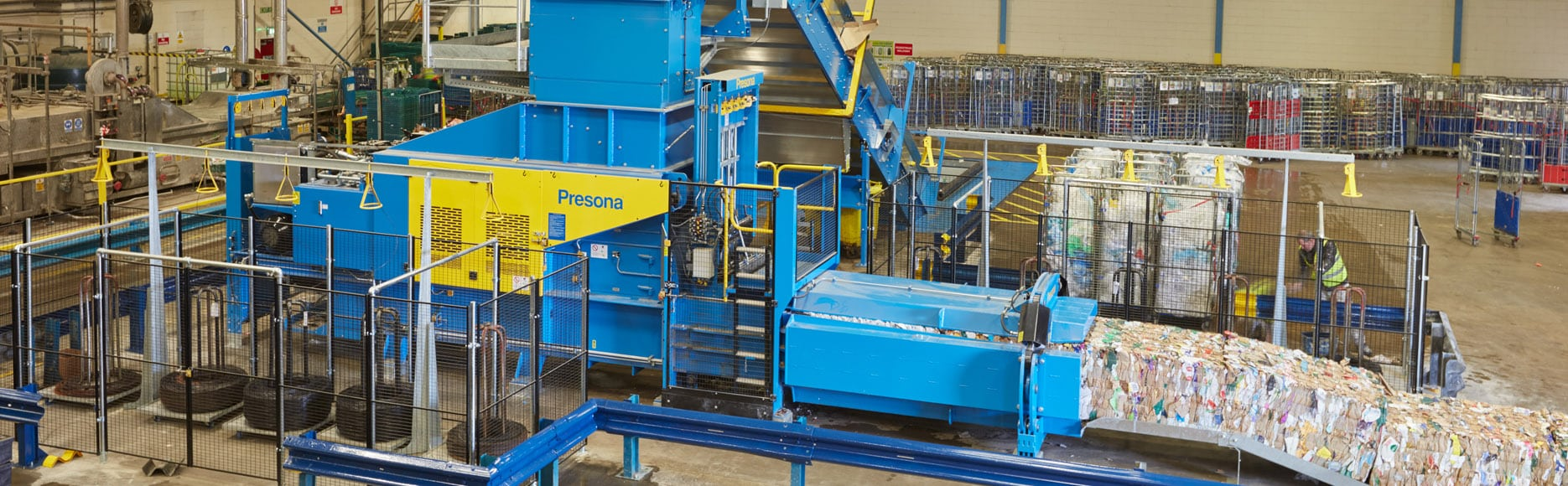 <p>Автоматический горизонтальный пресс для макулатуры и вторсырья от европейского производителя Presona в Украине. Усилие прессования от 50 до 140 тонн. Вес тюка 1000 кг. Производительность от 10 до 30 тонн в час.</p>